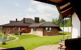 Дом с сараем под одной крышей
